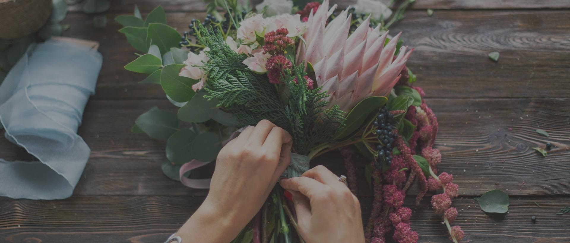 Trao gửi yêu thương cùng Flona Flower